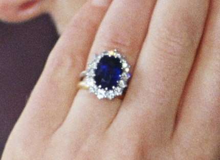 Kate Middleton engagment ring photo
